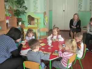 http://dnzivanko.ucoz.ua/romashka/kolektinij_peregljad_071.jpg
